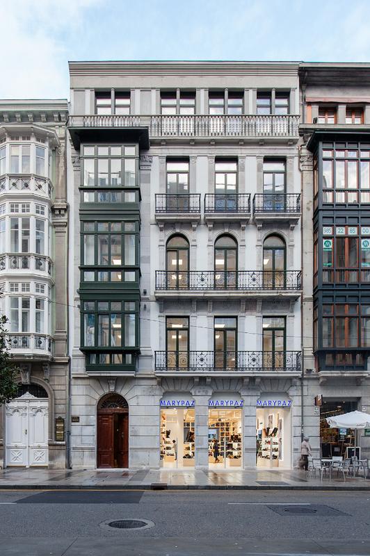 Tania crespo   edificio calle uria oviedo pevida (1)